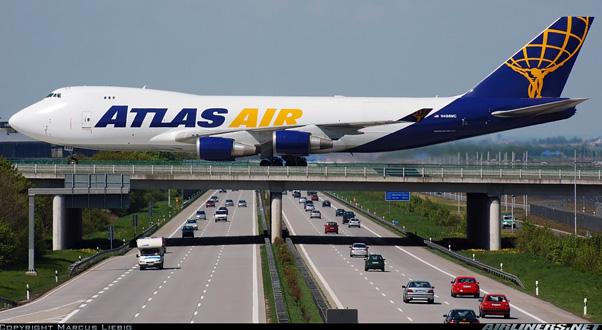 aeroporto-sopra-autostrada
