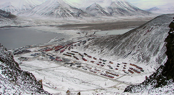 Longyearbyen-Adventsfjorden-And-Valley