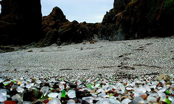 Glass-Beach-La-spiaggia-di-vetro-2
