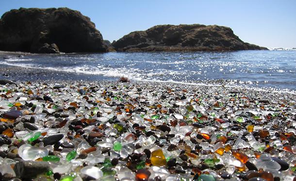 Glass-Beach-La-spiaggia-di-vetro-3