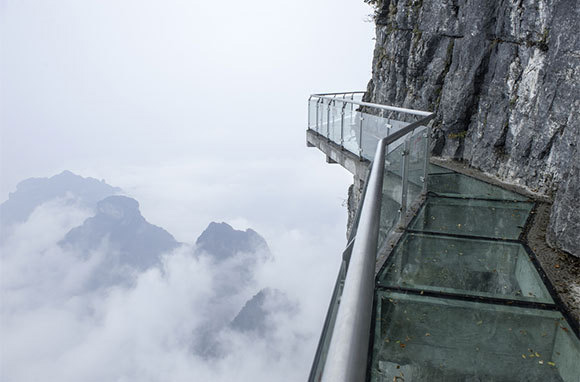 Tianmen-Mountain-skywalk
