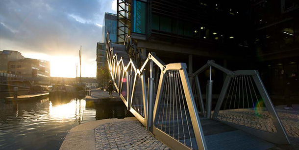 rolling-bridge