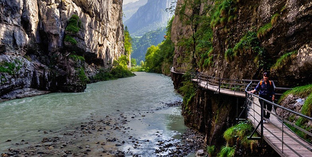 svizzera-passerella-gola-aree